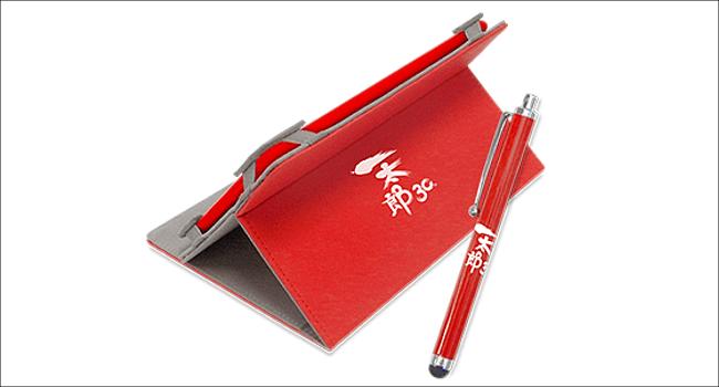 一太郎記念タブレット 付属ケースとタッチペン