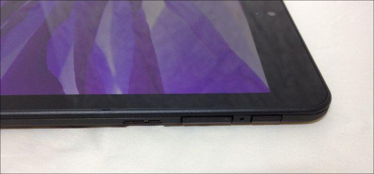 ThinkPad 8 右側面