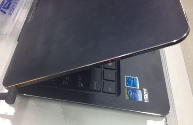 ASUS TransBook T300 Chi サイド
