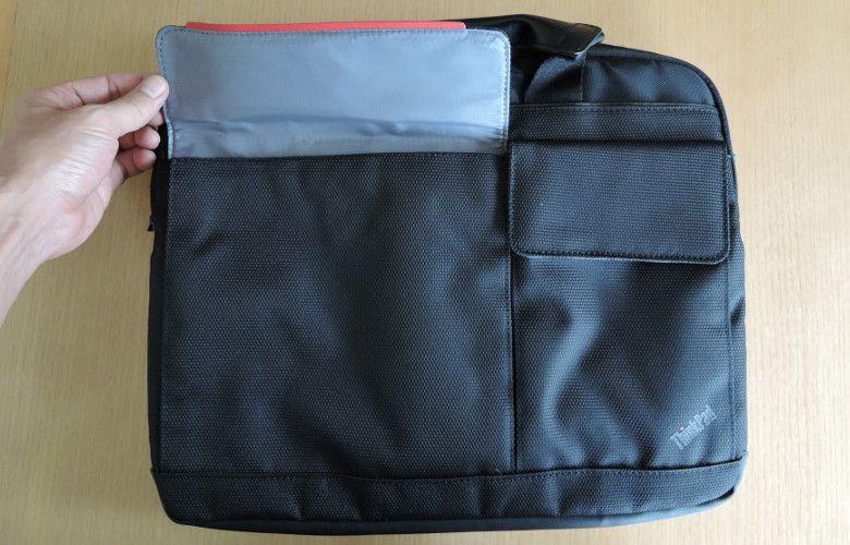 Lenovo PCバッグ 表面のポケット
