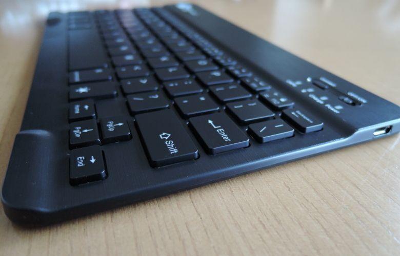 EC Technology Bluetoothキーボード ナナメ