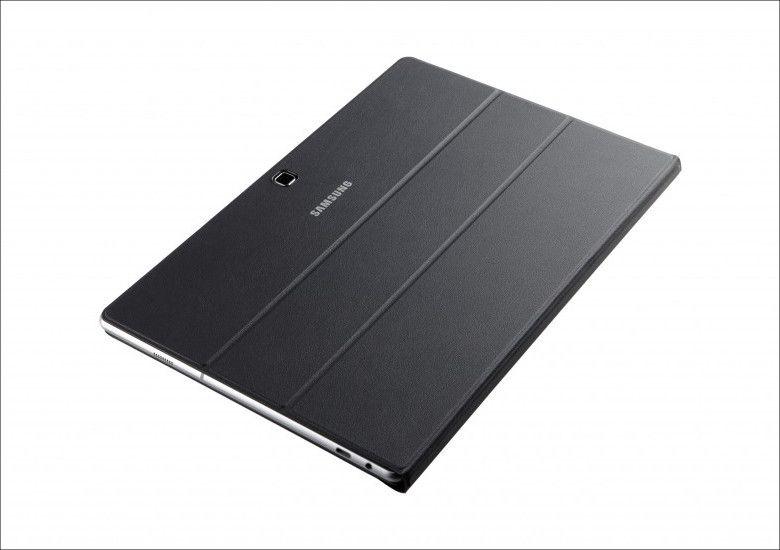 Samsung Galaxy TabPro S カバーを閉じたところ