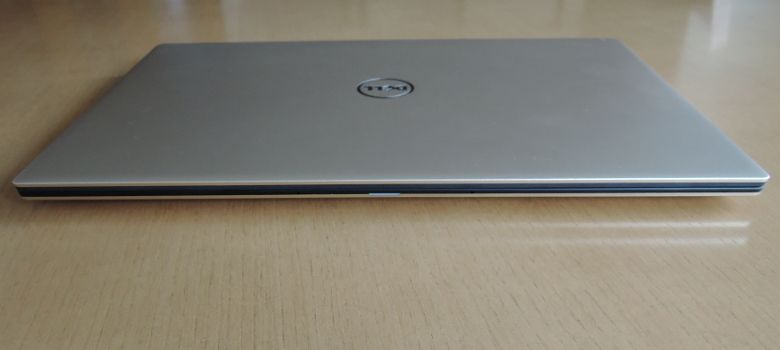 DELL XPS 13 開口部