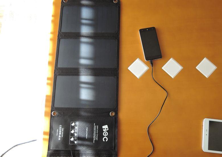 EC Technology USBソーラーチャージャー 屋内