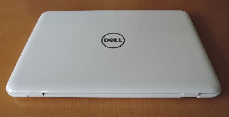 DELL Inspiron 11 3000 エントリープラス 背面
