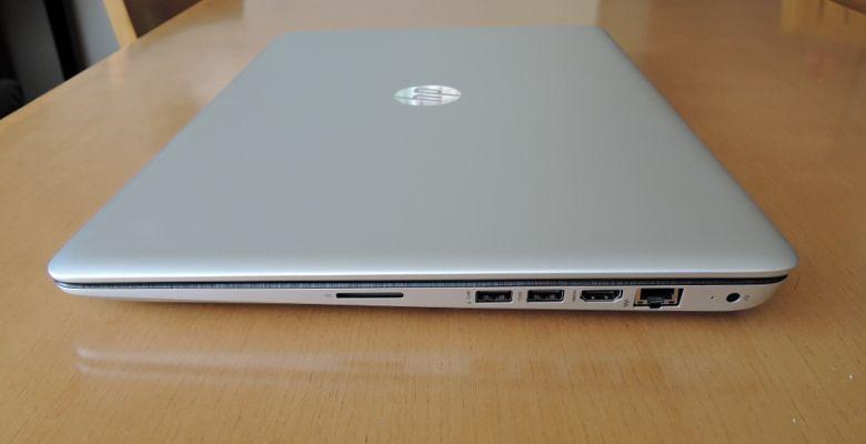 HP ENVY 17-n100 右側面
