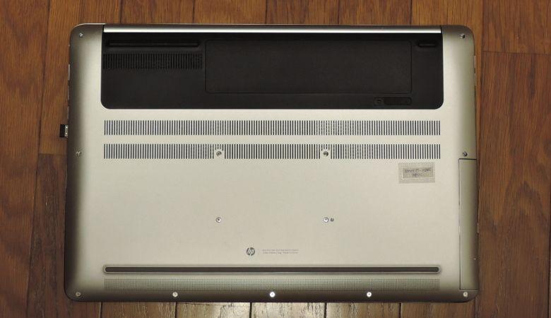 HP ENVY 17-n100 底面