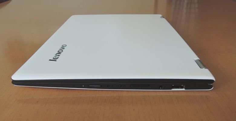 Lenovo YOGA 700 右側面