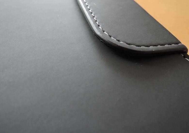 PureGear Universal Tablet Folio ブラックの質感