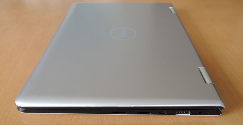 VOYO VBook V1 右側面