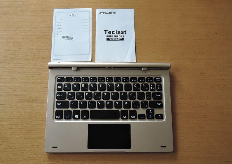 Teclast Tbook 10 キーボードと同梱物