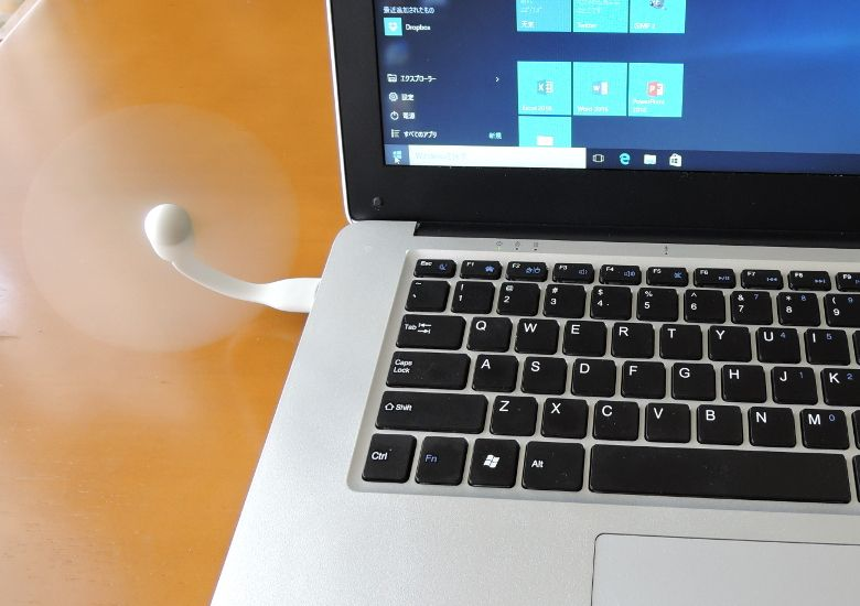 Xiaomi USB ポータブル扇風機 ノートPCと