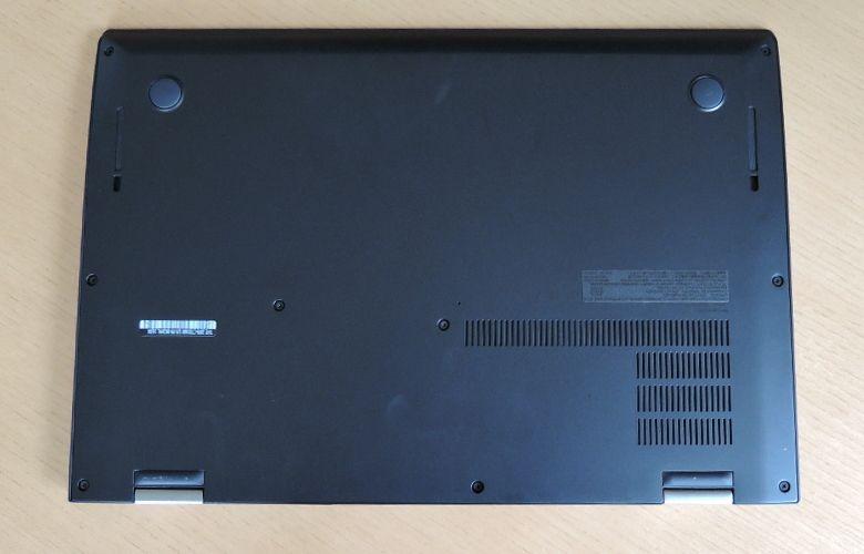 ThinkPad X1 Carbon 底面