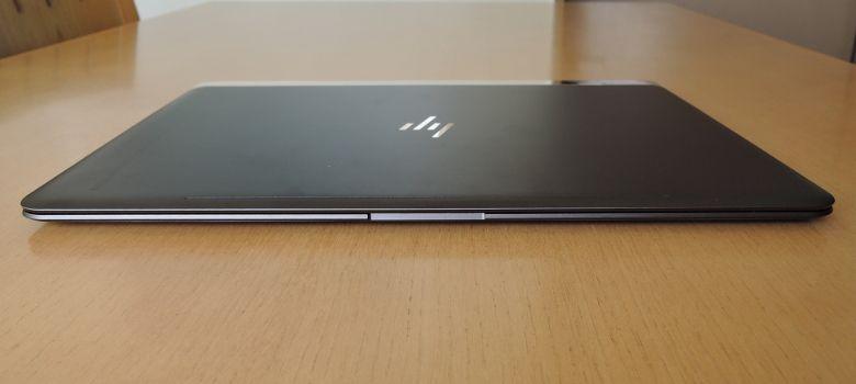HP Spectre 13 前面
