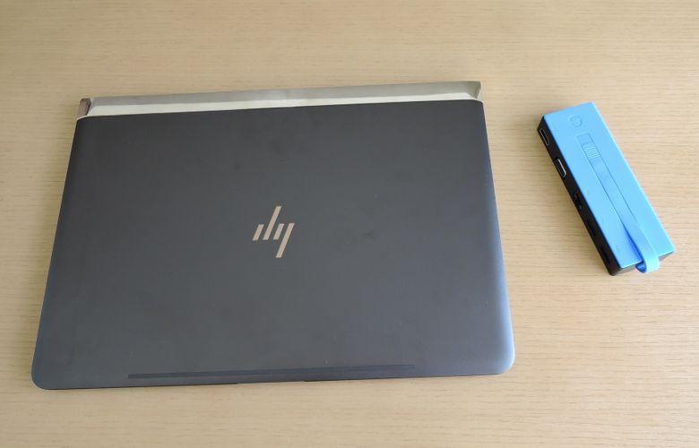 HP Spectre 13 トラベルドックと