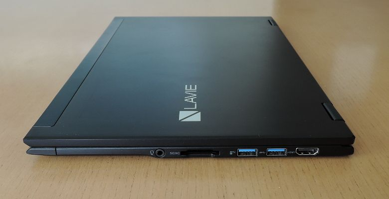 NEC LAVIE Direct HZ 右側面