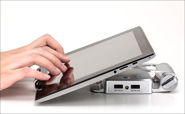 テックウインド モバイルUSBチャージスタンド タブレット接続2