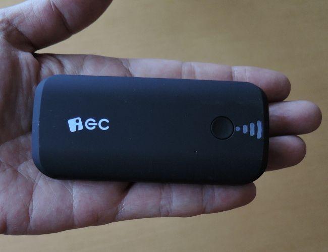 EC Technology 5200mAh モバイルバッテリー サイズ感