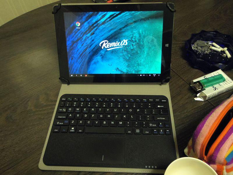 Chuwi Vi 10とキーボード