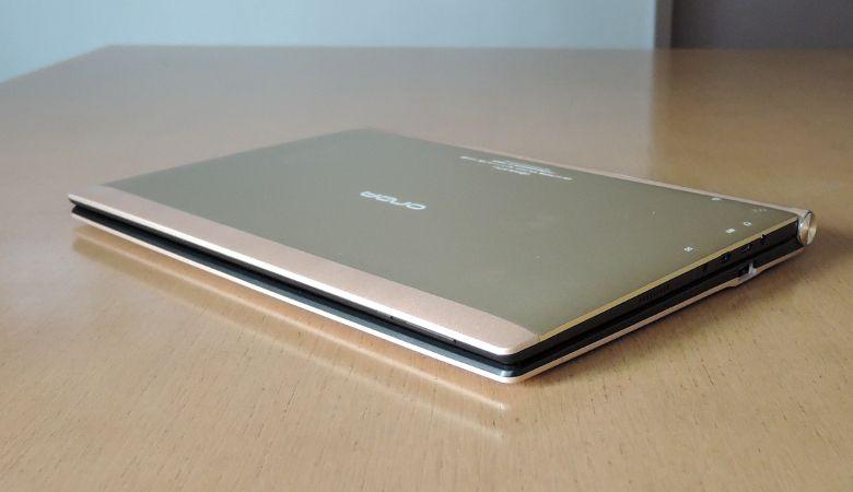 Onda oBook 20 Plus キーボード接続 側面