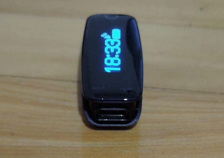 Teclast H30 microUSBポート
