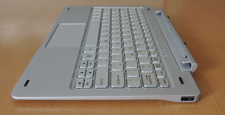 Teclast TBook 16 Pro キーボード右側面