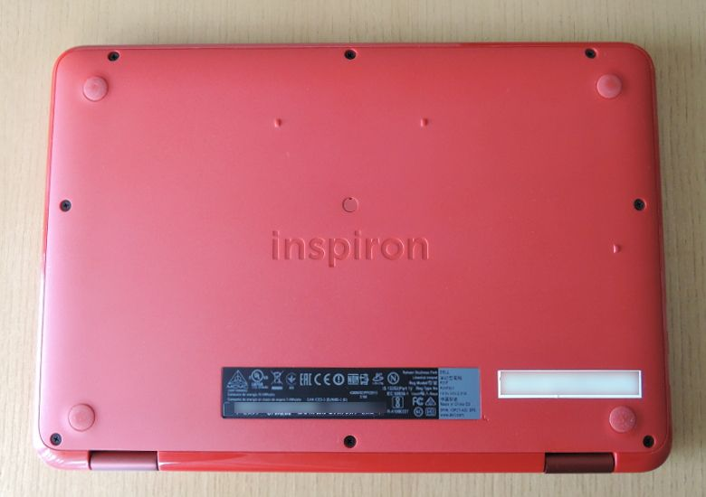 DELL Inspiron 11 3000 底面