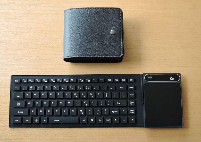 K8 MiniPC 本体とケース