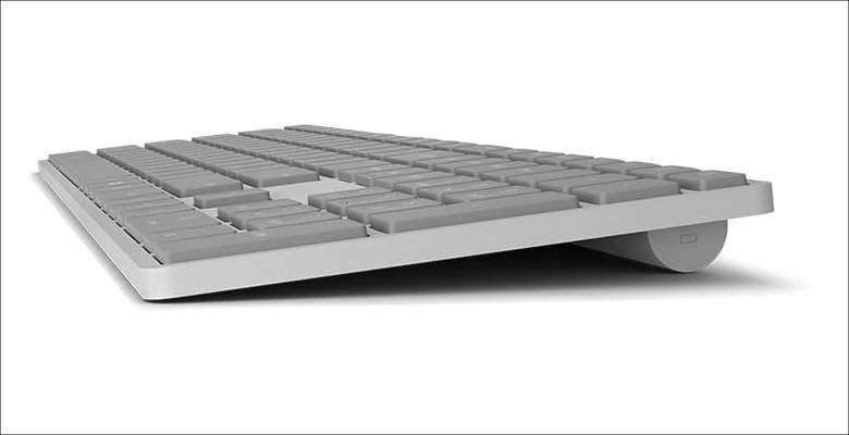 Microsoft Surfaceキーボード サイドビュー
