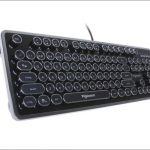 上海問屋 タイプライター風ゲーミングキーボード - レトロな外観にして本格的なメカニカルキーボード