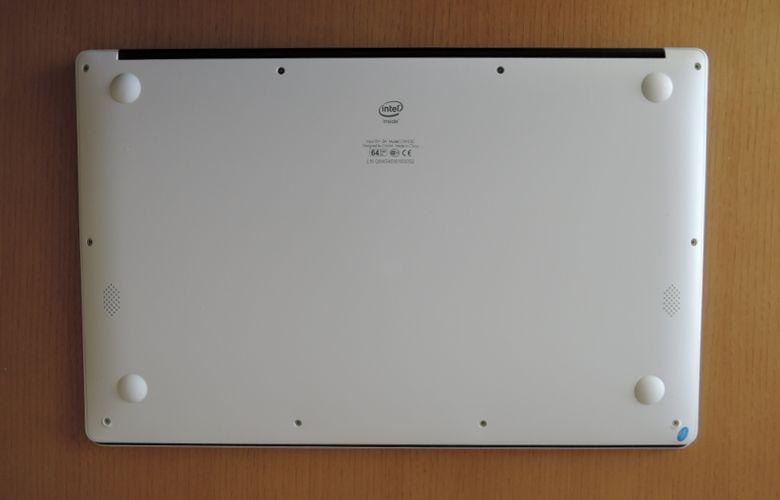Chuwi LapBook 底面