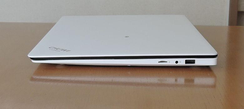 Chuwi LapBook 右側面