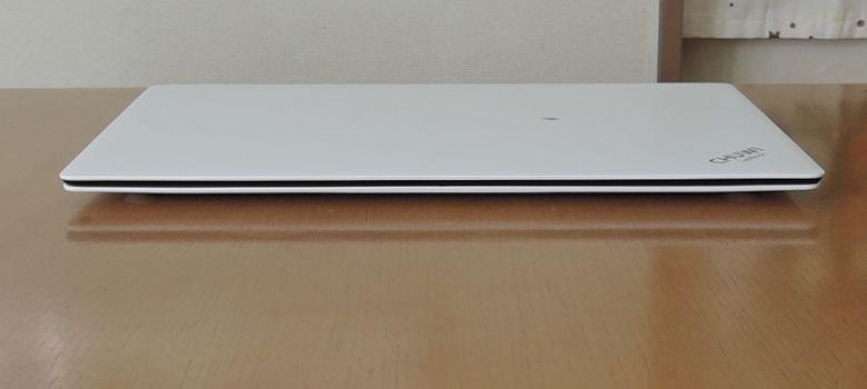 Chuwi LapBook 前面