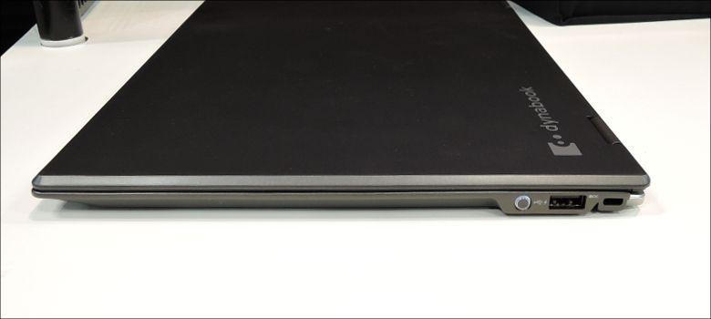 東芝 dynabook Vシリーズ 右側面