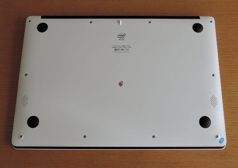 Chuwi LapBook 14 底面