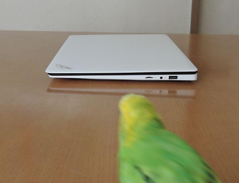 Chuwi LapBook 14 右側面