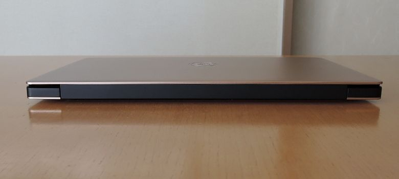 DELL XPS 13 背面