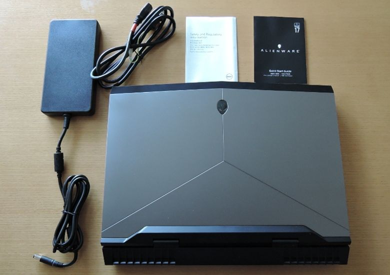 DELL ALIENWARE 17 同梱物