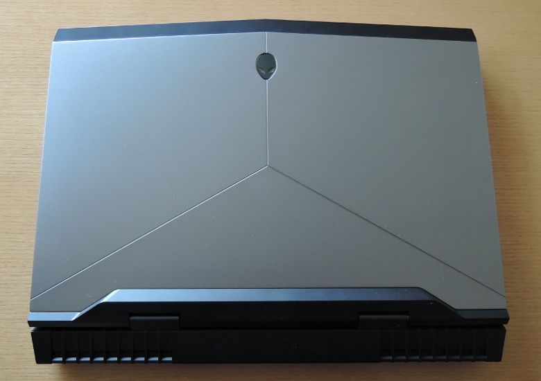 DELL ALIENWARE 17 天板