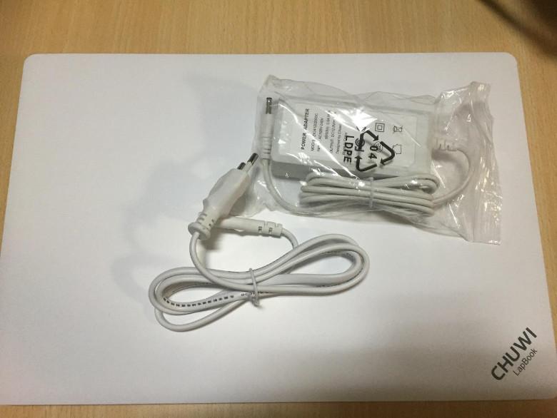 Chuwi LapBook 14.1 ケーブル