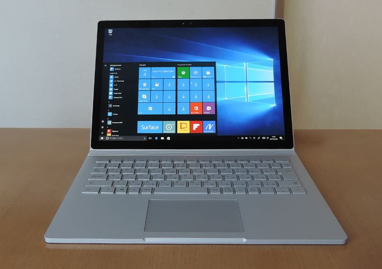 Microsoft SurfaceBook 正面