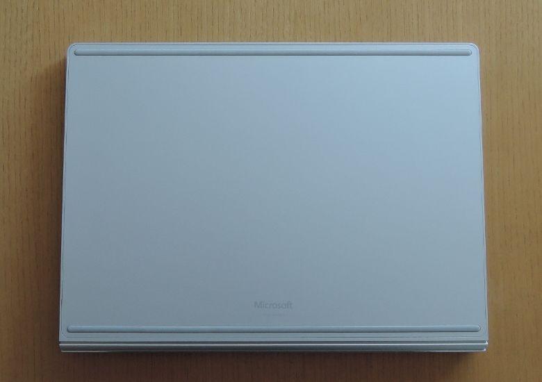 Microsoft SurfaceBook 底面