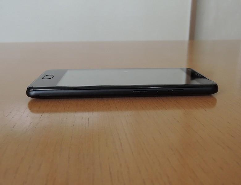 Ulefone U008 Pro 右側面