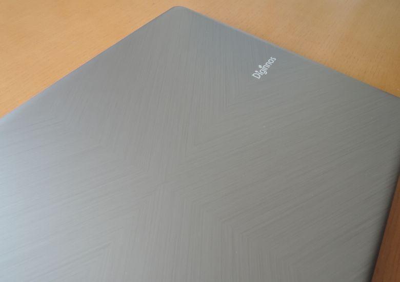 ドスパラ Critea DX-K H3 天板の模様