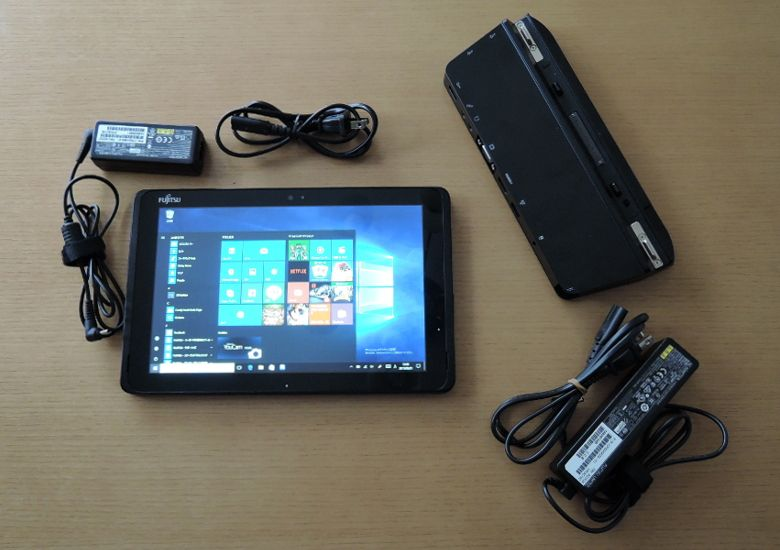 Fujitsu Arrows Tab WQ2/B1 同梱物