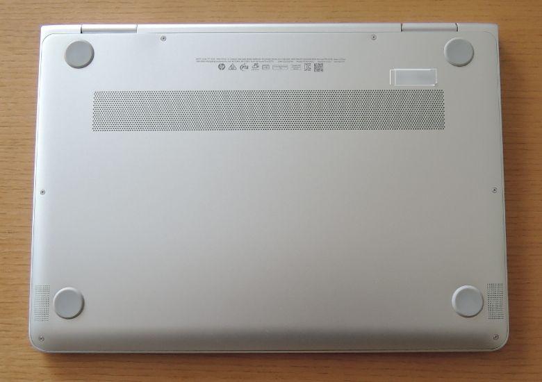 HP Spectre x360 底面