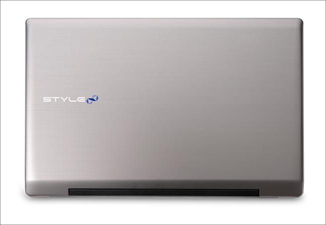 iiyama STYLE-17HP042-C-CE 天板
