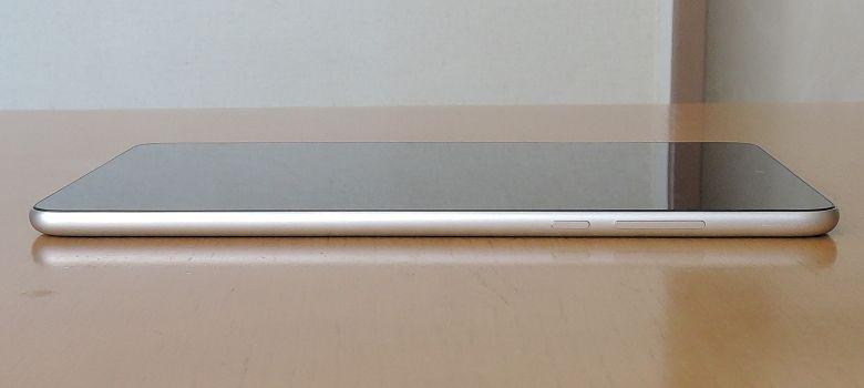Xiaomi Mi Pad 3 右側面