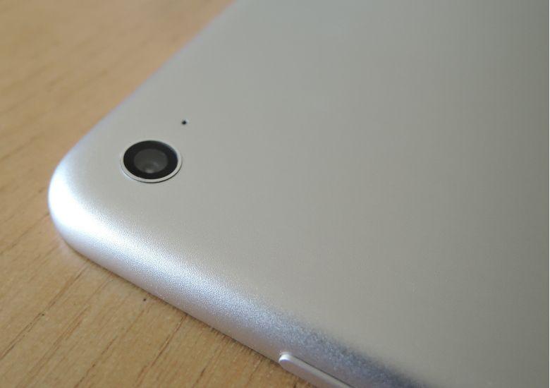 Xiaomi Mi Pad 3 背面拡大