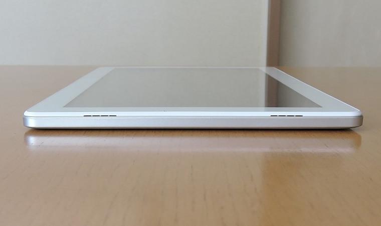 Cube iPlay 右側面